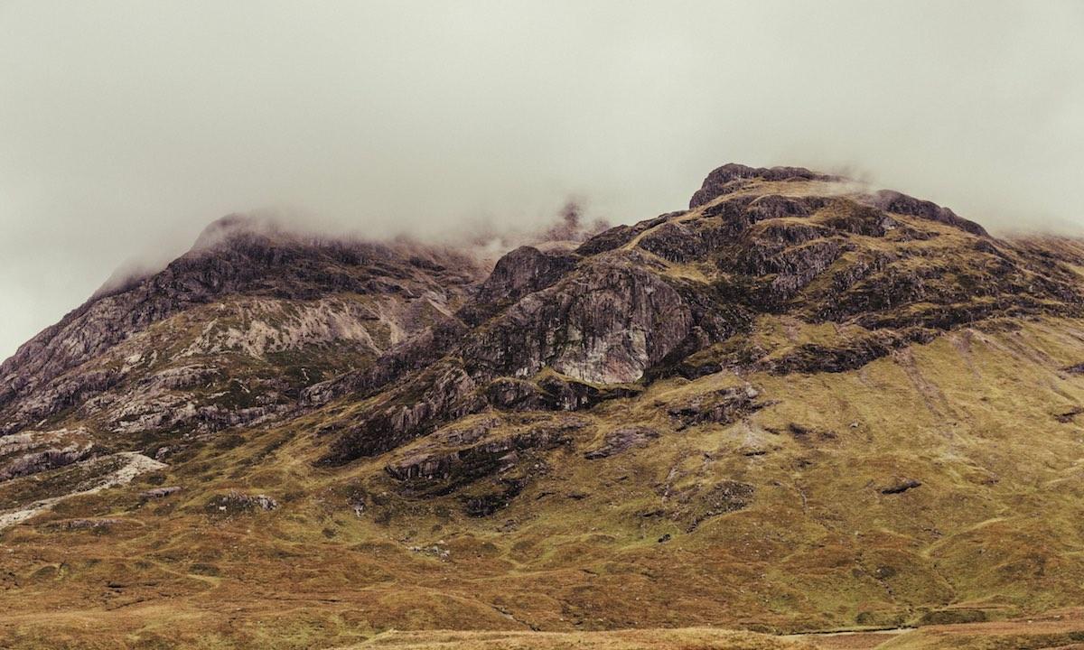 Kahle Berge in den schottischen Highlands
